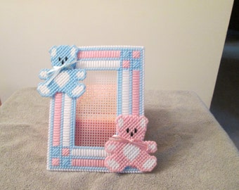 Photo Frame for Baby in Plastic Canvas
