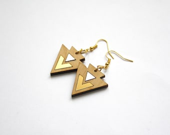 Geometric earrings in wood, triangle chevron pattern, gold silver color details, wooden jewelry made in France, original gift for women