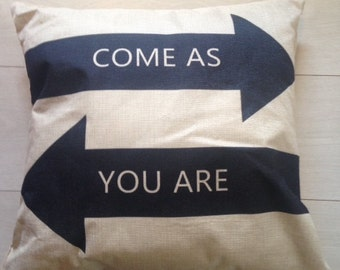 Fun 90s printed cushion cover 'Come as you Are'