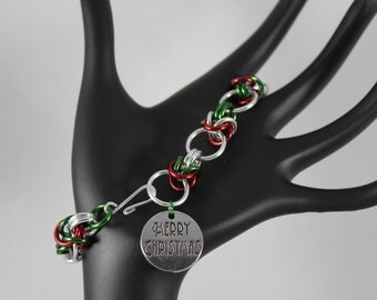 Chainmaille Christmas Bracelet Red and Green