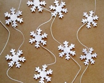 White Paper Garland, Paper Snowflakes Garland, Winter Party Decoration, Christmas Tree Decor, Wedding Reception, Wedding Photo Prop Decor