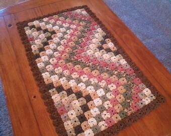 Yo-Yo Mini Quilt Table topper