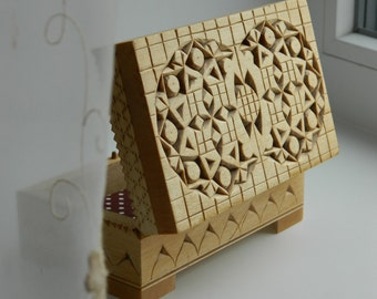 Bee's stories-3 - chip carved, hand carved wooden box, linden (basswood).