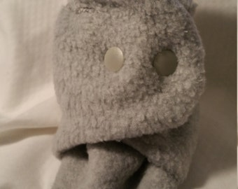 Toddler shoe size 2.5 -  4,  sole measures 4.5 inch, gray slippers, light gray fleece, toddler slippers