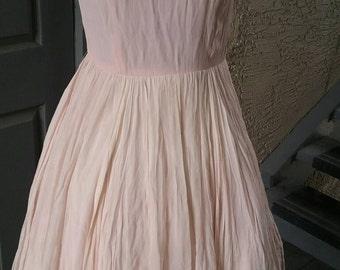 Beautiful powder pink chiffon dress, 1950s, pin up dress