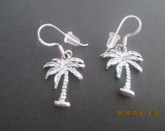 Palm Tree Earrings...Sterling Silver..Nice Detail..Dangle..New