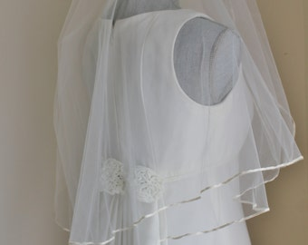 90s Wedding Dress by Alfred Sung, Simple Gown with Veil Size 7 8 Sleeveless Removable Train