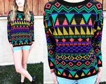 Colorful and Comfy Geometric Print Sweater Women's Vintage 80's 90's Adorable Knit Pullover Size S/M