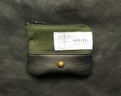 Coin/Headphones Purse - Fine Wool, Leather and Zipper Coin - Dark Green and Black