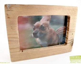 FRAMES frames in one piece of recycled wood