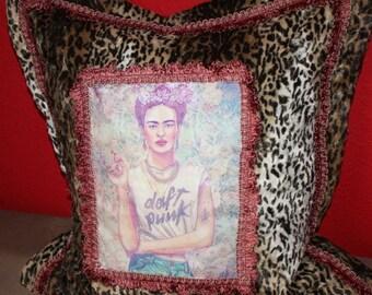 Viva la Frida - parade pillow - punk Frida