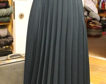 Vintage Racing Green Pleated Full Length Skirt Elasticated Waist