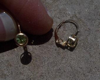 Solid 14k peridot yellow gold leverback earrings