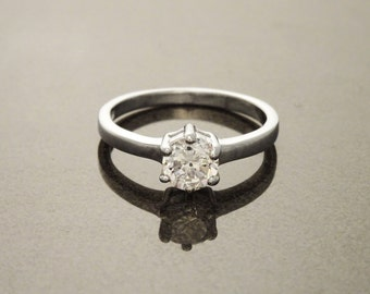 Diamond style Ring, 6 mm CZ, Sterling Silver Ring - White Zirconia - 6mm. Like a Diamond. Classical Jewelry. Shinning CZ, 925.