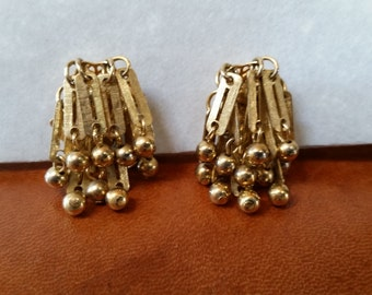Vintage Gold Tone Drop Earrings with Clip