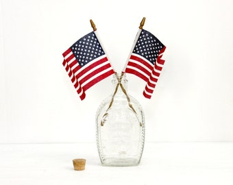 BiCentennial Log Cabin Syrup Bottle - 4th of July Decor - Vintage Glass Vase