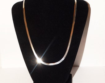 "Vintage Sterling Silver Italy Made Flat Herringbone 20"" Chain."
