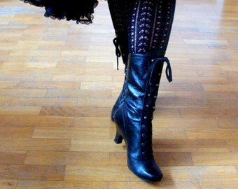 Vintage Black Leather Lace up Boots / Victorian Boots / Gothic  / EU 37