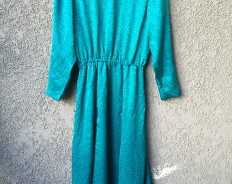CLEARANCE  Green long sleeved maxi dress