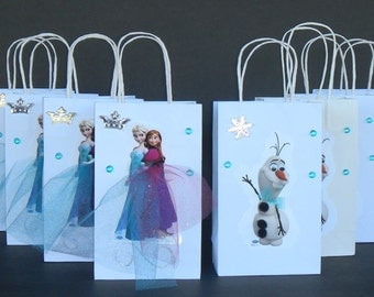 INSPIRED 20pc Disney Frozen 10pc Elsa Anna & 10pc Olaf Birthday Party Favor Goody Gift 3D Bags hand made with real picture