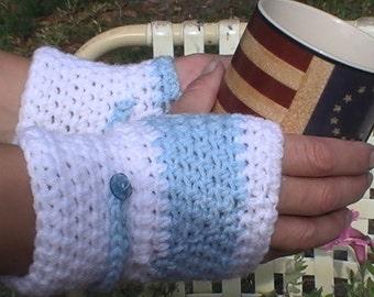 Light blue and white fingerless gloves
