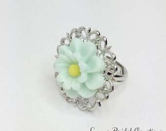 Mint Green Flower Ring Mint Adjustable Ring Filigree Flower Ring Green Bridesmaid Gift Mint Green Wedding Pretty Gift for Her Thank You Gift