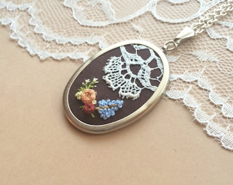 Shabby Chic Vintage Lace Necklace, Embroidered Flowers, Lace Necklace With Flowers, Embroidered Pendant