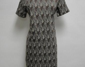 1246 - Vintage Day Dress Size L Multi Color Geometric Short Sleeve Knee Length 1970s