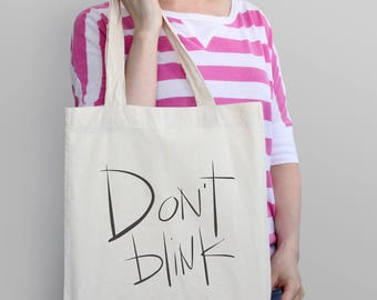 Doctor Who Tote Bag - Don't Blink | Sci-fi, science fiction, geek, nerd, dr. who, television, tv