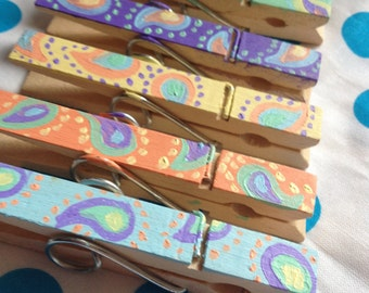 5pc Handpainted Wooden Pegs - Paisley