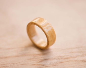 Anegre Bentwood Ring