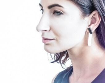 Double side earrings, black earrings, white earring, porcelain earring, ear bar earring, ceramic earring, boucles d'oreilles, tribal earring