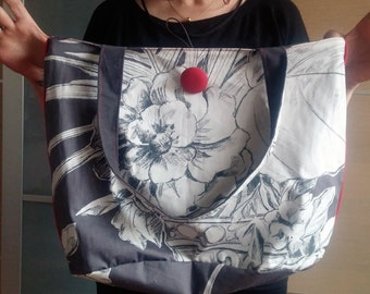 Sophisticated HandMade fabric bag - Tote bag with pocket - Shoulder Bag with floral design - Grey and red - Covered button for his key ring