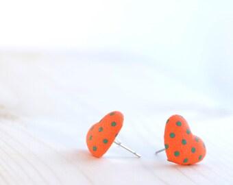 Heart earrings studs ~ Orange stud earrings ~ Fabric button earrings ~ 80s Orange earrings ~ Retro Orange jewelry ~ Heart stud earrings