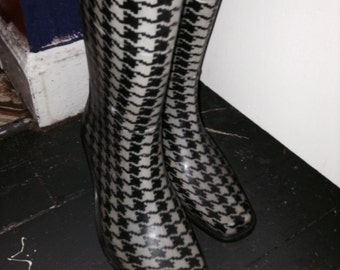 houndstooth rain boots womens size 6