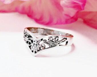 Sterling silver filigree ring, filigree ring, handmade ring, vintage ring, decorated ring,small sterling ring, thin ring, thin sterling ring