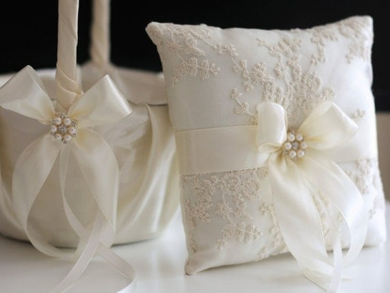 Flower Girl Baskets Ivory Uk : Ivory ring bearer pillow flower girl basket lace