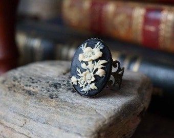 "Ring ""Flower cameo"""