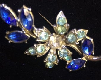Two tone blue brooch