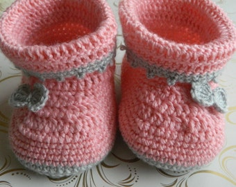 Crochet baby booties Pink booties Baby girl booties Baby shower gift Baby boots Winter booties Baby girl uggs Crochet uggs Baby girl outfit