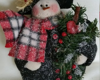 snowman,fabric,fleece,black felt,top hat,muslin,stuffing greenery,heart plaid fabric