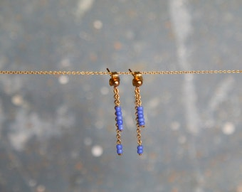 Delicate gold chain earring with azul beads