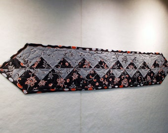 Black/Grey/Warm Red Table Runner
