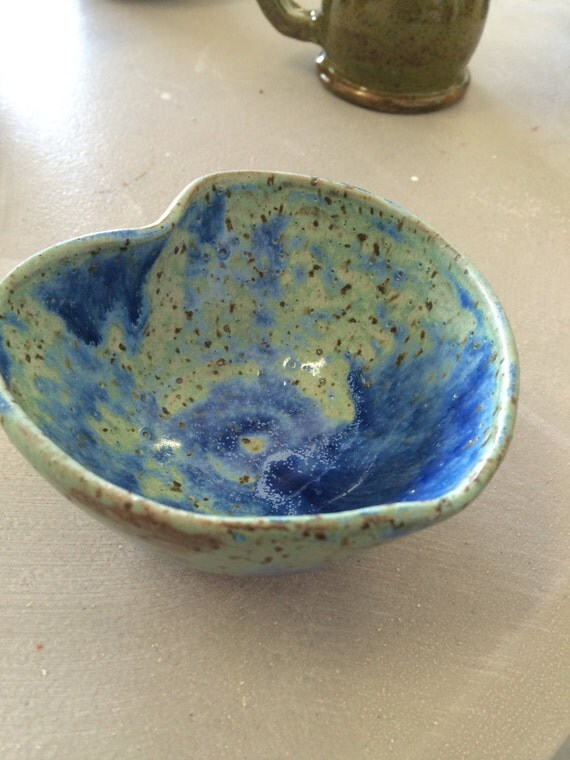 Arrowroot Green Heart Bowl
