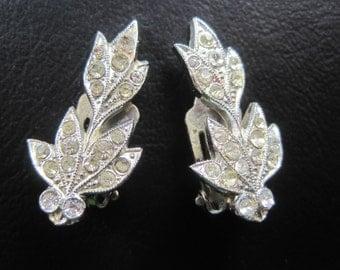 Vintage Art Nouveau Rhinestone Style Leaf Design Silver Tone Clip On Earrings
