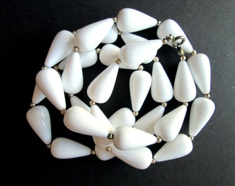 """Vintage White Lucite Plastic Teardrop Opera Length Beaded Necklace Silver Tone Spacer Beads Summer Single Strand 30 3/4"""" Mod Mid Century"""