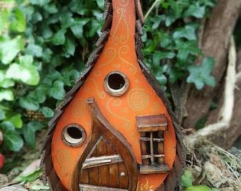 PUMPKIN LODGE bird house/birdhouse /handmade /Garden art /bird houses /birdhouses