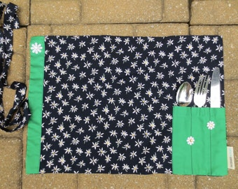 Place mat with pocket