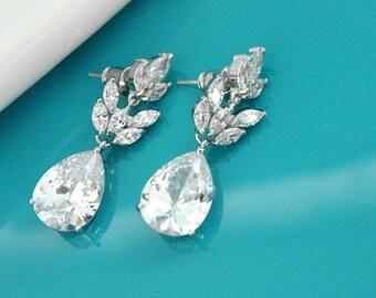 Bridal dangle earrings, Swarovski crystal wedding earrings, Cubic zirconia earrings, Bridesmaid crystal earrings, Wedding jewelry 11373