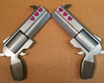 Seraphina's twin pistols from Disgaea 5